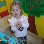 Dziewczynka w przedszkolu