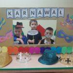 dzieci w strojach karnawałowych teatrzyk