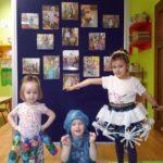 Dzieci przbrane w strój ekologiczny