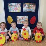 Dzieci z grupy Żabki wykonały kurczaki