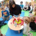 Przygotowanie przez dziecka doświadczenia- wulkan