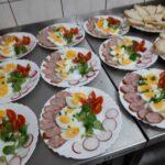 Sniadanie na talerzach