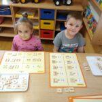 Zabawy matematyczne przy stoliku