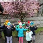 Dzieci tańcem witają wiosne