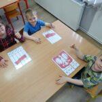 Dzieci z kolorowanką