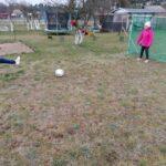 Dziewczynki grające w piłkę nożną