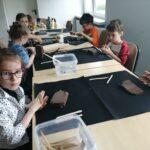 Dzieci z grupy stokrotek podczas warsztatów