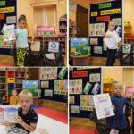 Przedszkolaki segregują śmieci podczas zajęć dydaktycznych