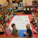 Przedszkolaki z grupy Biedronek i Mrówek podczas zajęć dydaktycznych