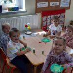 Zabawy dzieci z grupy żabek (2)