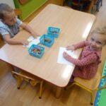 Żuczki podczas zabaw dowolnych (2)